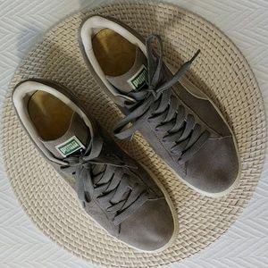 Puma grey suede sneaker